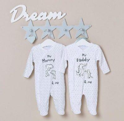 Babyschlafanzug